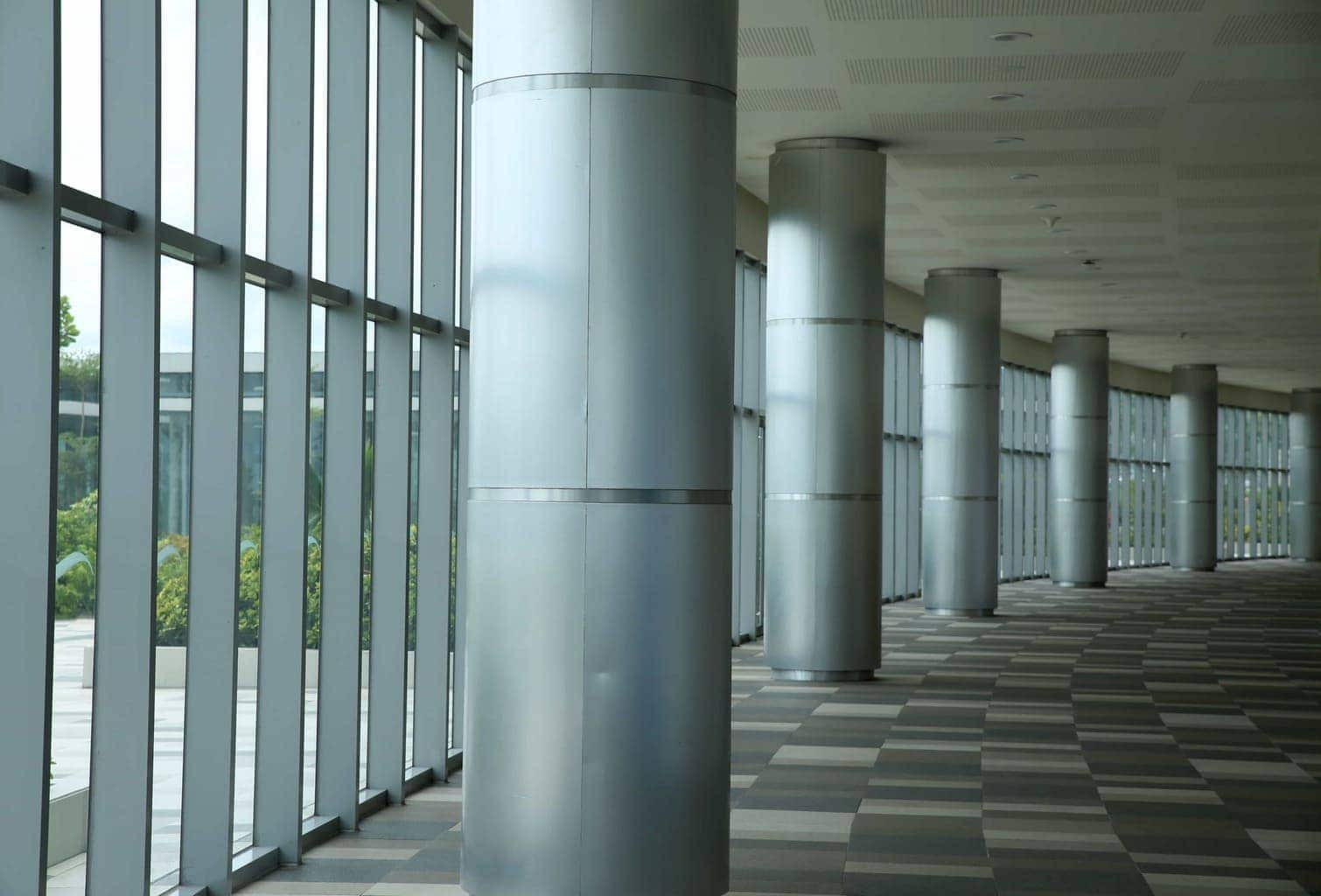 I took this shot in the SM Mall in Cebu of the roof support pillars. By Dpi Photography.